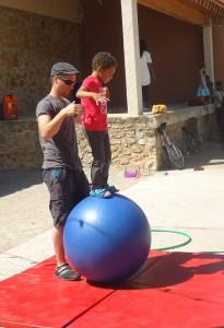 Sur la boule 2
